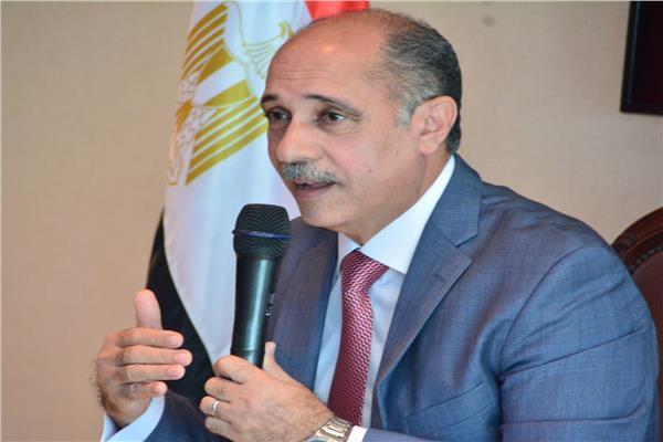 اجتماع بين القابضة للمطارت ومصر للطيران لحل المشاكل العالقة