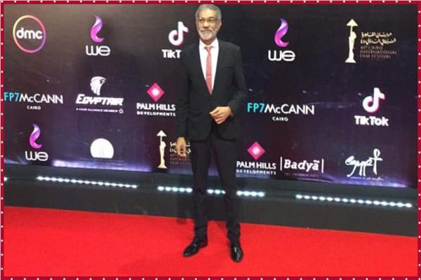 صور سيد رجب يصل حفل افتتاح مهرجان القاهرة السينمائي