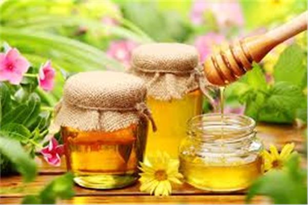 لجمالك طريقة ترطيب الشعر بالعسل