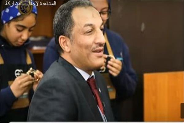 فيديو خالد خليل مدرسة صناعة الذهب تضم طلابا مهرة