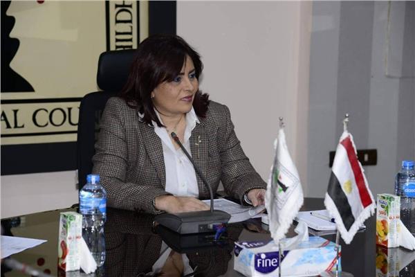 «العشماوي» تشكر النائب العام لإنشاء مكتب حماية الطفل في التفتيش القضائي