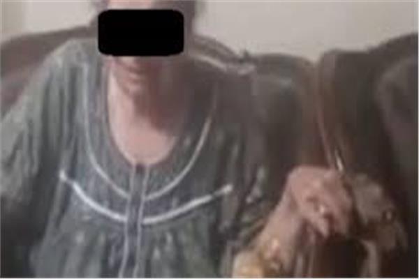 الخادمة السبب التفاصيل الكاملة لواقعة فيديو بكاء مسنة لدخول «الحمام»