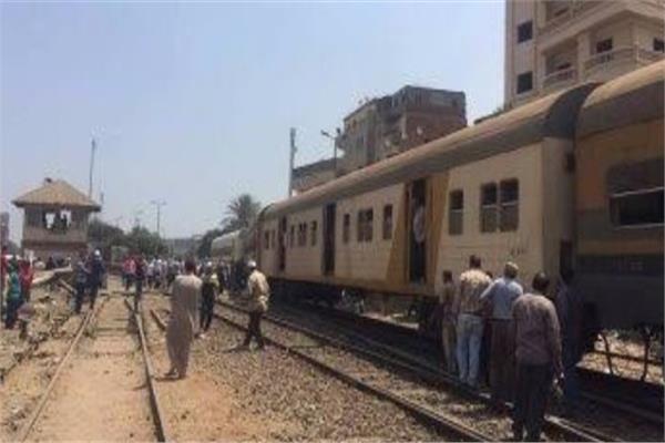 إصابة شابين سقطا من القطار بمحطة التوفيقية في البحيرة