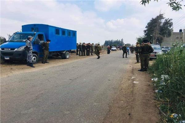 ضبط 22 من أهالي قرية بالدقهلية رفضوا دفن جثمان طبيبة توفيت بكورونا