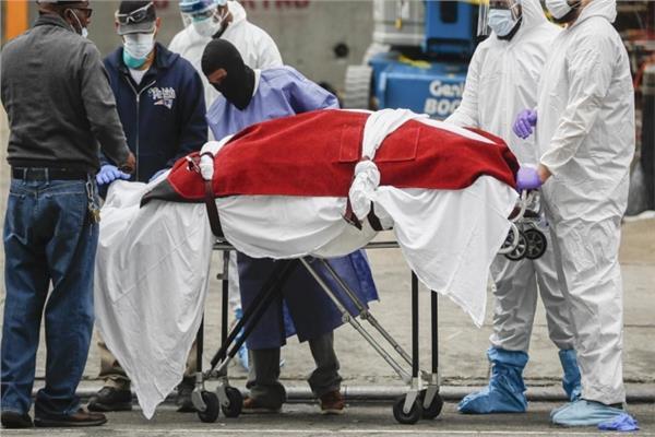 أهالي متوفية بـ كورونا يخطفون جثتها من المستشفى .. والشرطة تعيدها