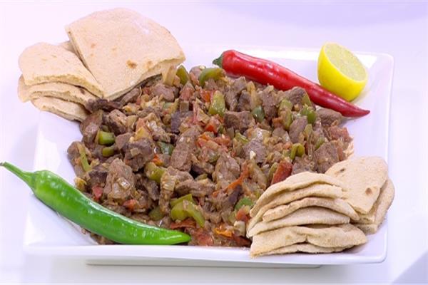 «أكلات العيد» «كبدة بالطماطم والبصل»