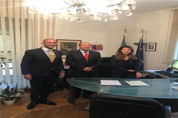 سفير مصر بروما يشارك في مراسم توقيع إيطاليا على ميثاق منتدى غاز شرق المتوسط
