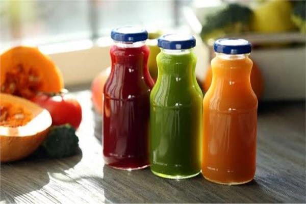 للأمهات احذرن مخاطر عصير الفاكهة على صحة طفلك