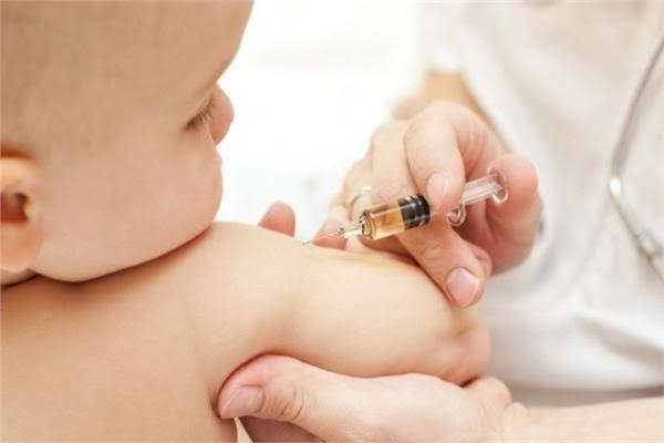 للأمهات التصرف الصحيح عند تناول الطفل مضاد حيوي في موعد التطعيم