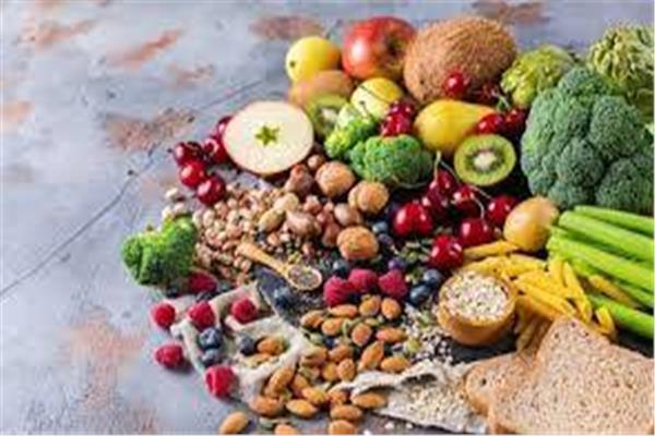 تجنبًا للأمراض 8 أطعمة ممنوع تناولها على معدة فارغة