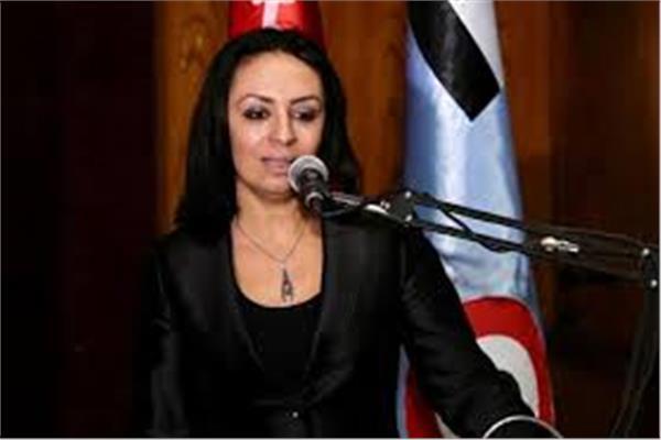 «القومي للمرأة» يناشد «طارق شوقي» بسرعة التحقيق بواقعة إجبار مدرسة على ارتداء تلميذة للحجاب