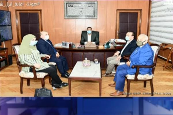 أحمد موسى استقبال محافظ الدقهلية لمديرة مدرسة «عمر مكرم» يؤكد حسن نيته