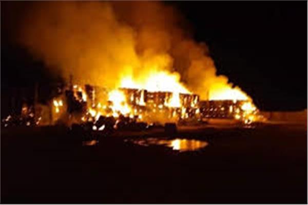 السيطرة علي حريق بمصنع أعلاف في السنطة