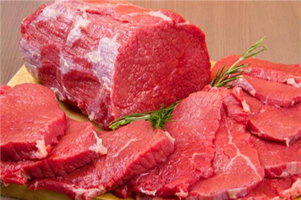 للسيدات تعرفي على مدة تخزين اللحوم في الفريزر قبل رمضان