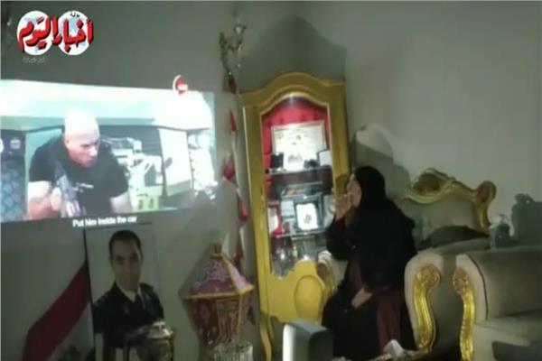 بكاء أم أول شهيد شرطة بفض اعتصام رابعة لحظة استشهاده بـ«أحداث الاختيار 2»   فيديو