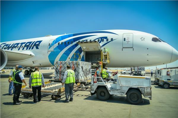 وزيرة الصحة: وصول 500 ألف جرعة من لقاح سينوفارم الصيني إلى القاهرة
