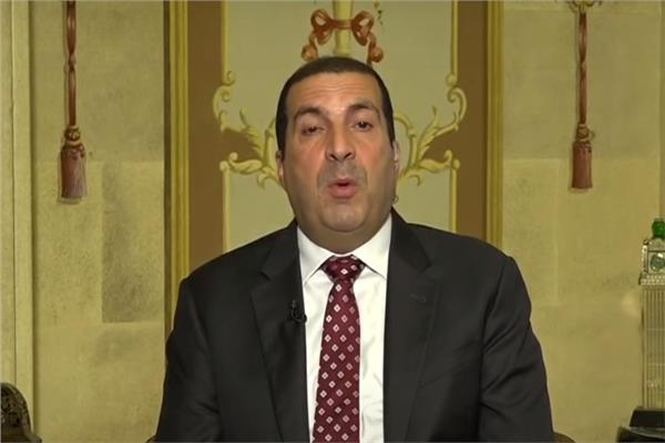 عمرو خالد يعود إلى حواره مع قناة إخبارية بعد انسحابه