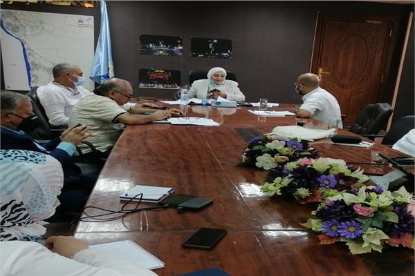 نائب محافظ القاهرة تستعرض مخطط تطوير منطقة شق الثعبان