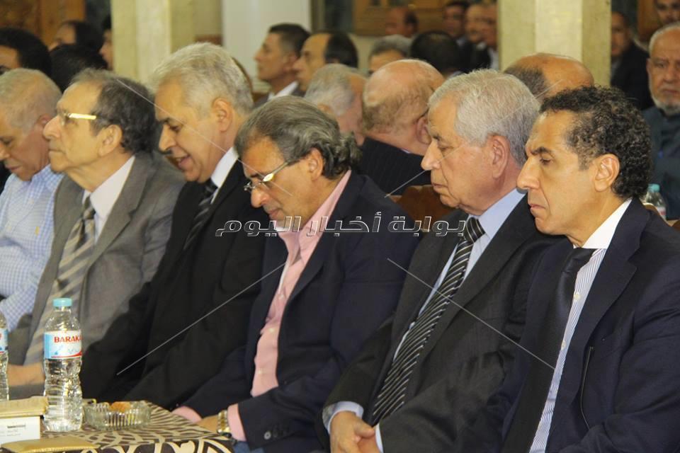 نجوم الفن والسياسة والاعلام فى عزاء حمدي قنديل