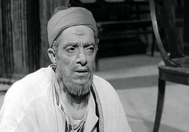 عبدالعظيم عبدالحق.. علقة ساخنة انتهت «تحت سجر وهيبة»