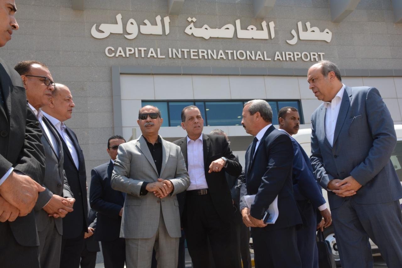 وزير الطيران المدني يتفقد بمطار العاصمة الدولي تمهيدا للتشغيل التجريبي