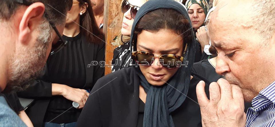 ناهد السباعي في جنازة هيثم احمد زكي