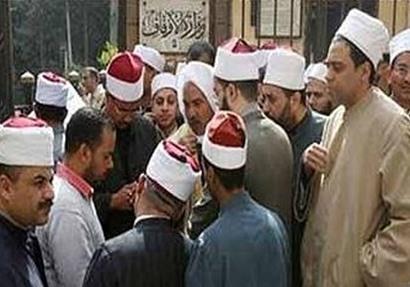 """عدد من الأئمة يتقدمون بطلبات لـ""""كبار العلماء"""" لضم قطاع الدعوة للأزهر"""