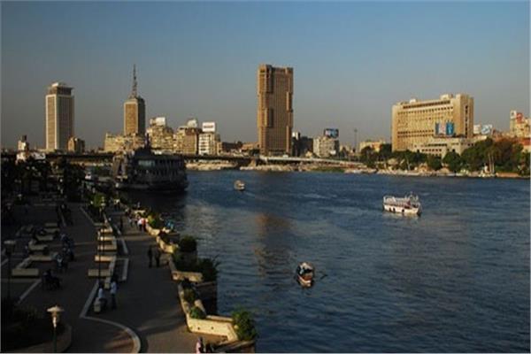 «الأرصاد»: طقس الجمعة مائل للحرارة.. والعظمى بالقاهرة 32