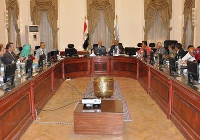 """""""التعليم"""" تناقش التجربة المصرية مع وفدين سوري ويمني"""